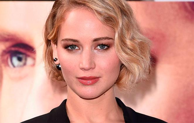 Jennifer Lawrence passa mal em apresentação na Brodway