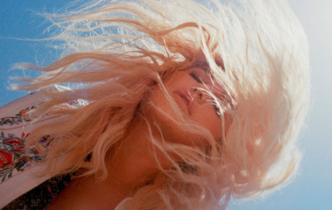 Kesha lança clipe de Woman