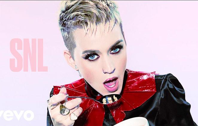 Novo clipe de Katy Perry contará com a outros famosos