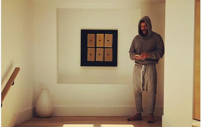 Ricky Martin sgnacchero quasi nudo su Instagram, foto