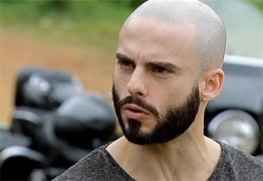Rede Record - Vitória - Enzo liga para Iago pedindo para ser resgatado
