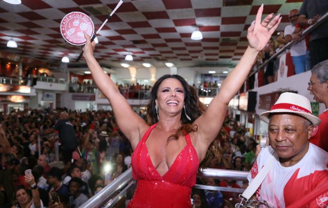 Viviane Araujo no Salgueiro