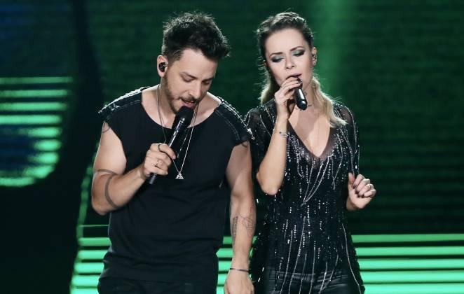 Sandy e Junior no palco