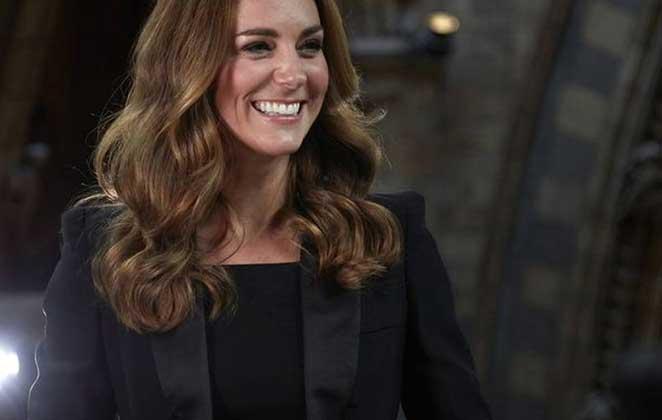 Kate Middleton sorrindo