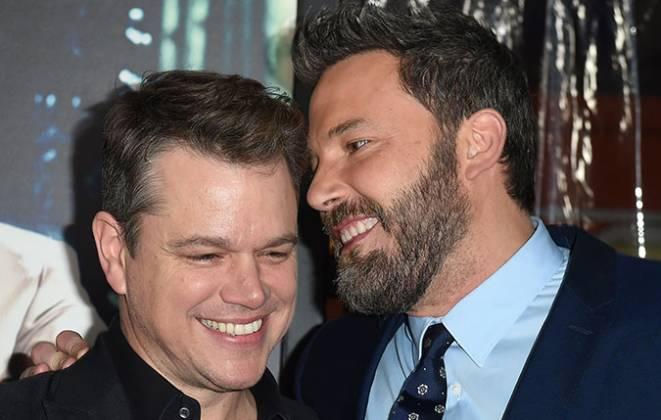 Melhores amigos Matt Damon e Ben Affleck rindo