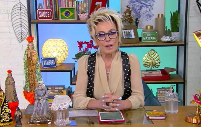 Ana Maria Braga de óculos