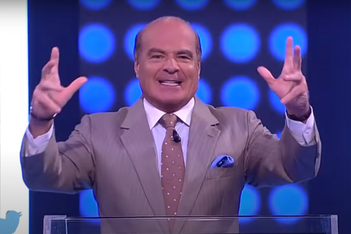 Marcelo de Carvalho durante o programa Mega Senha, da RedeTV!
