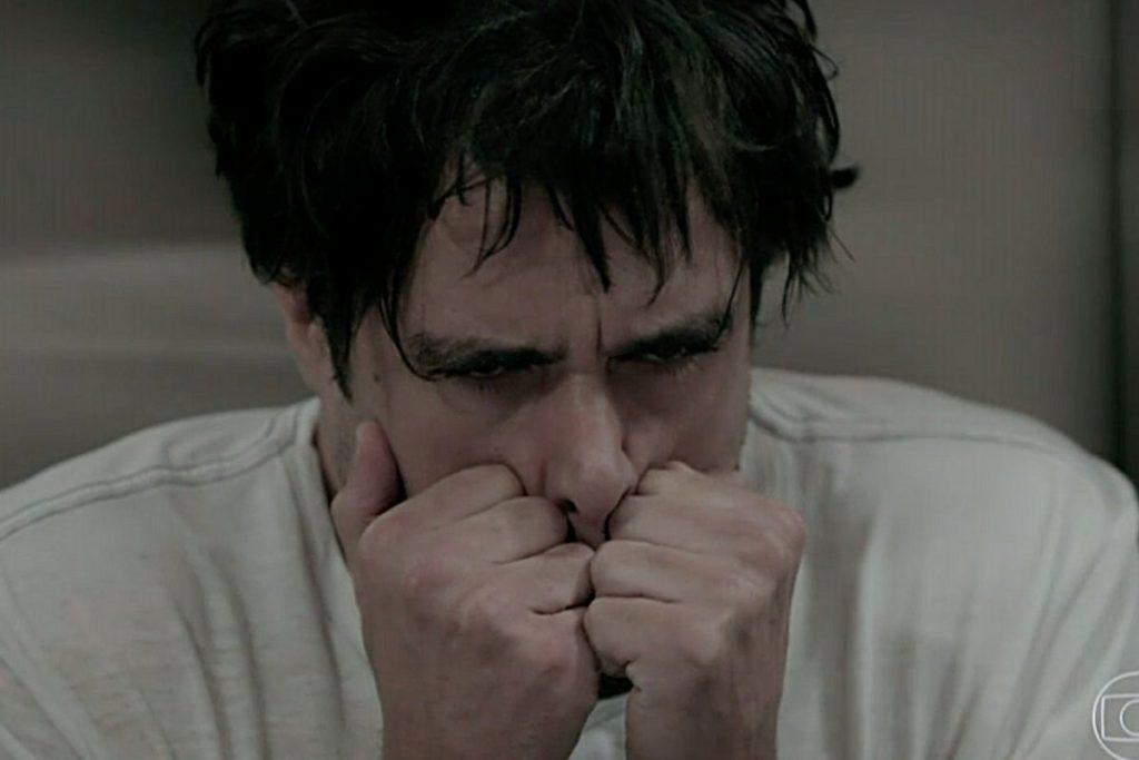 Enrico (Joaquim Lopes) surta e desiste de casar