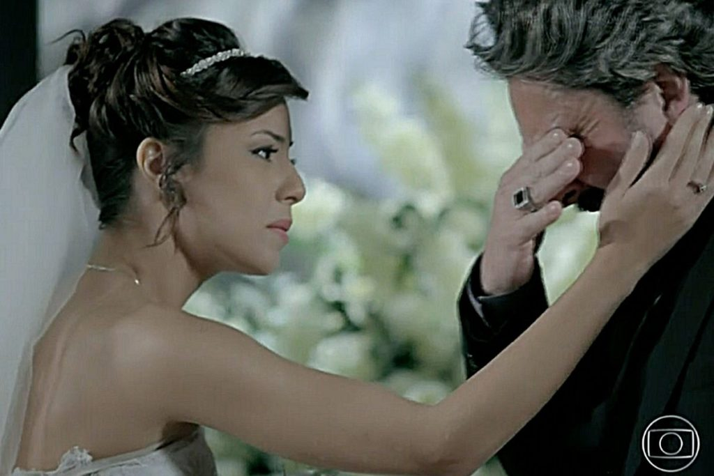 José Alfredo chora ao saber que sua filha foi abandonada