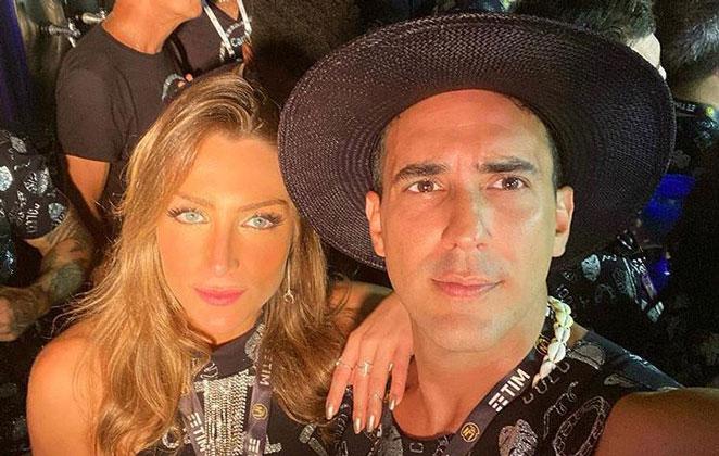 Sofia Starling em selfie coladinha com André Marques