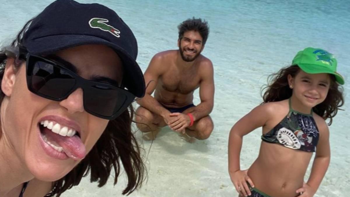 deborah-secco-e-família-nas-ilhas-maldivas