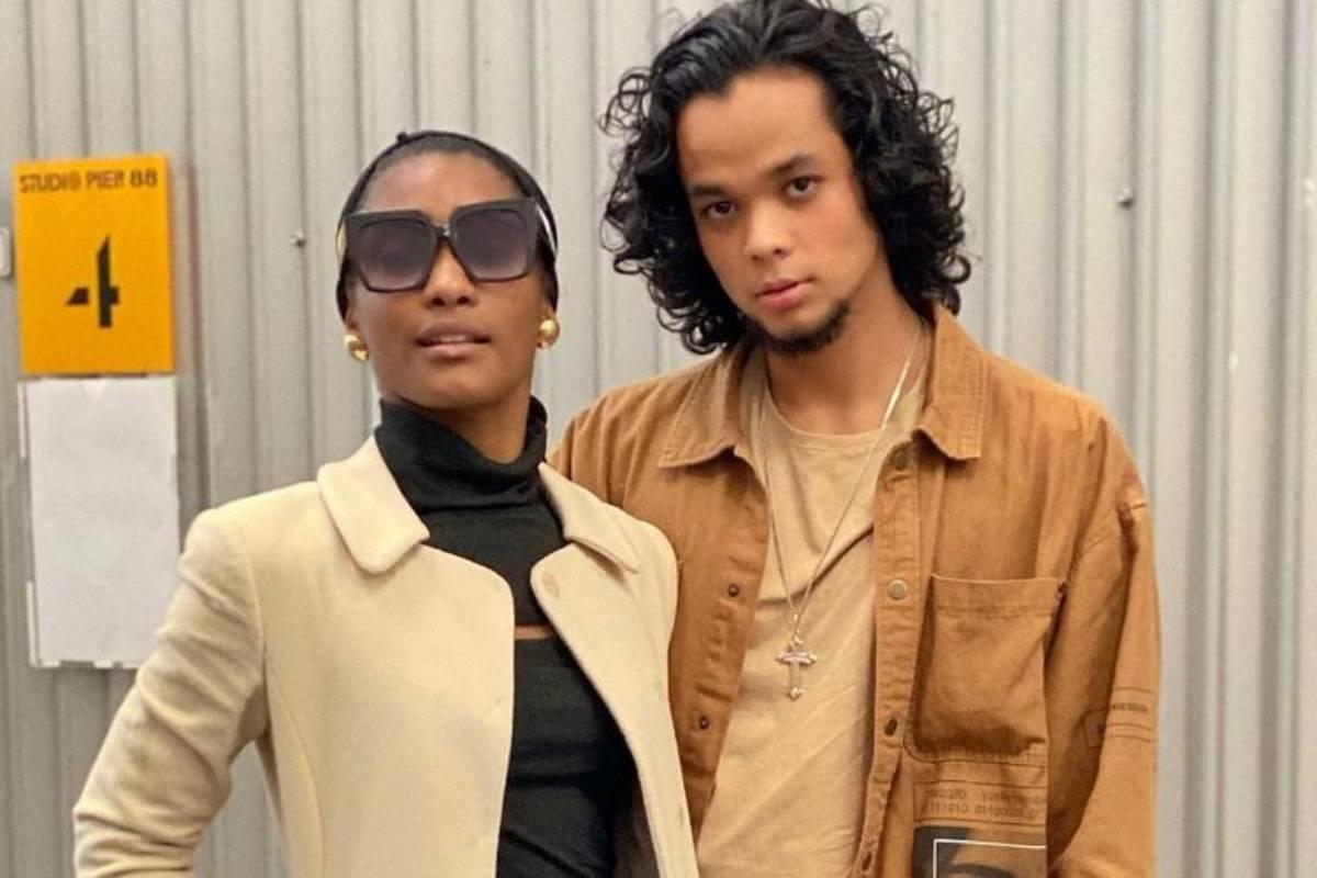 erika januza e juan nakamuran posando juntos com look estiloso