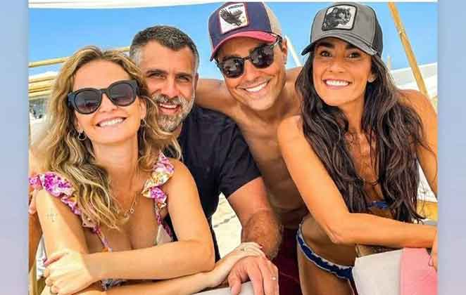 Fernanda Rodrigues com marido, Raoni Carneiro e os amigos Ricardo Pereira e Francisca Pinto
