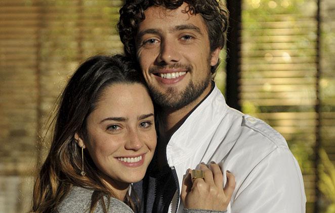 Fernanda Vasconcellos e Rafael Cardoso na novela A Vida da Gente