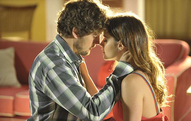 Rafael Cardoso e Fernanda Vasconcellos em cena de A Vida da Gente