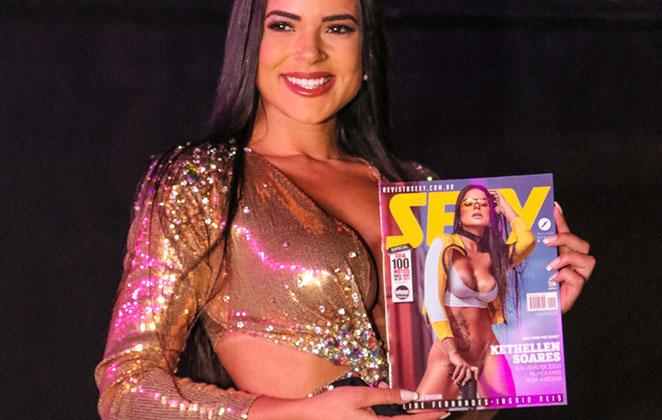 Kehtellen Soares estampa a capa da Revista Sexy