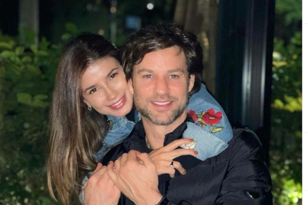 Paula Fernandes com o namorado, Rony Cecconello