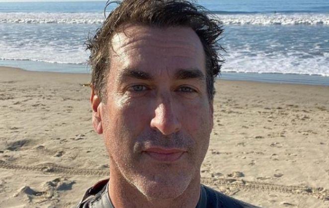 Rob Riggle na praia
