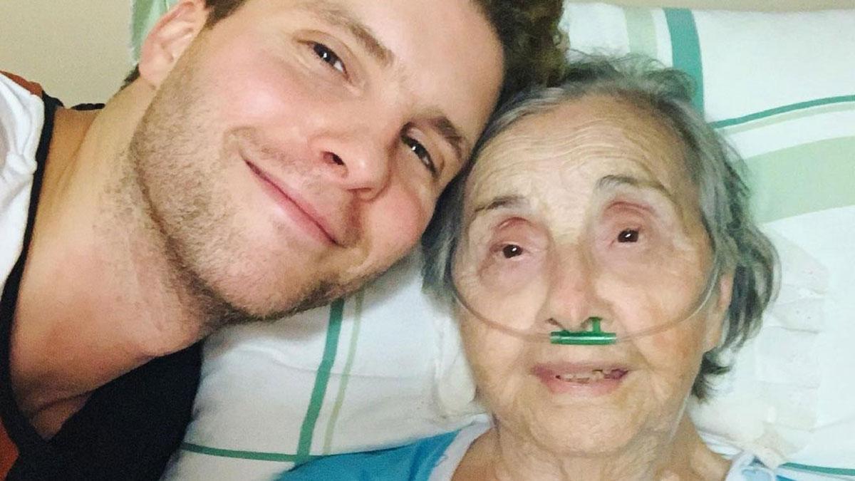 Thiago Fragoso lamenta morte da avó