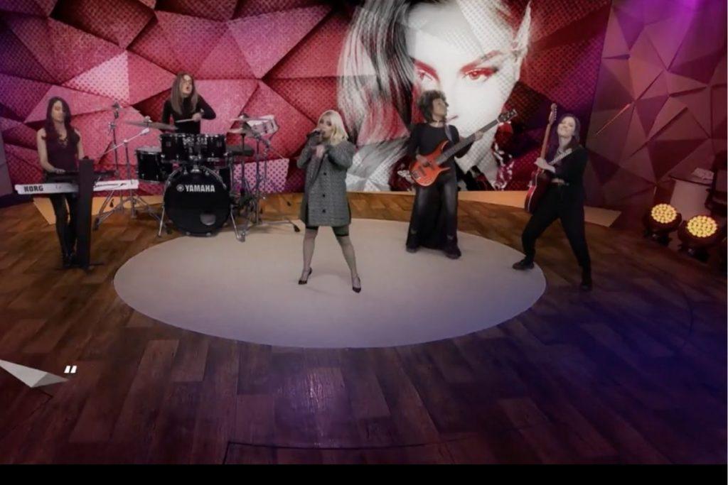 Luísa Sonza cantando no Fantástico