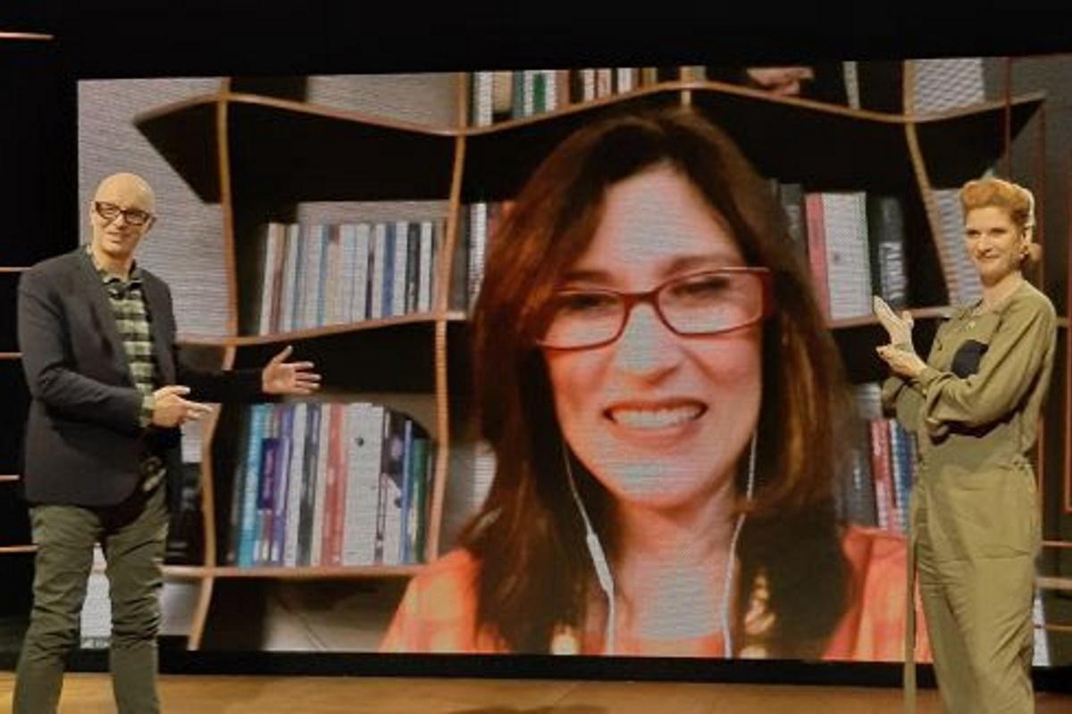 Beth Goulart em programa de tv