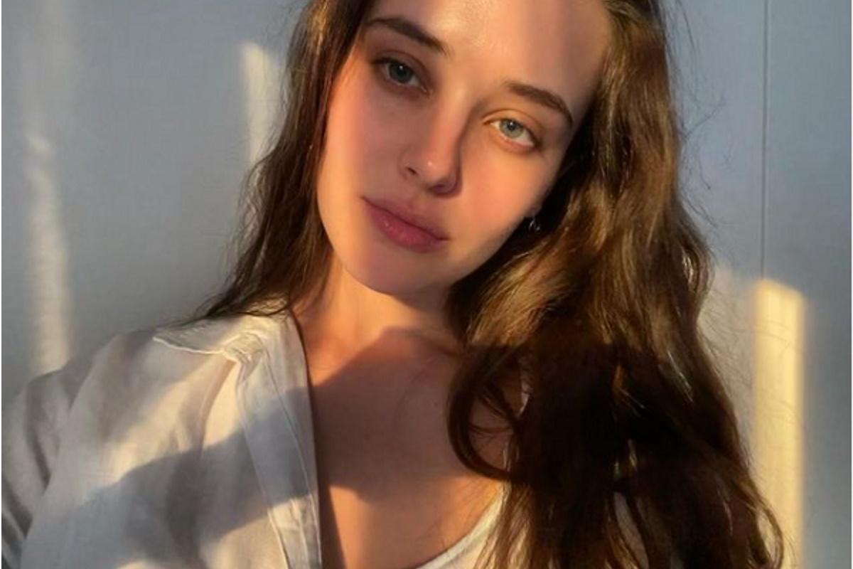 Katherine Langford foto de rosto