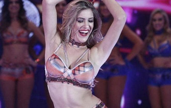 Lorena Improta como dançarina do Domingão do Faustão