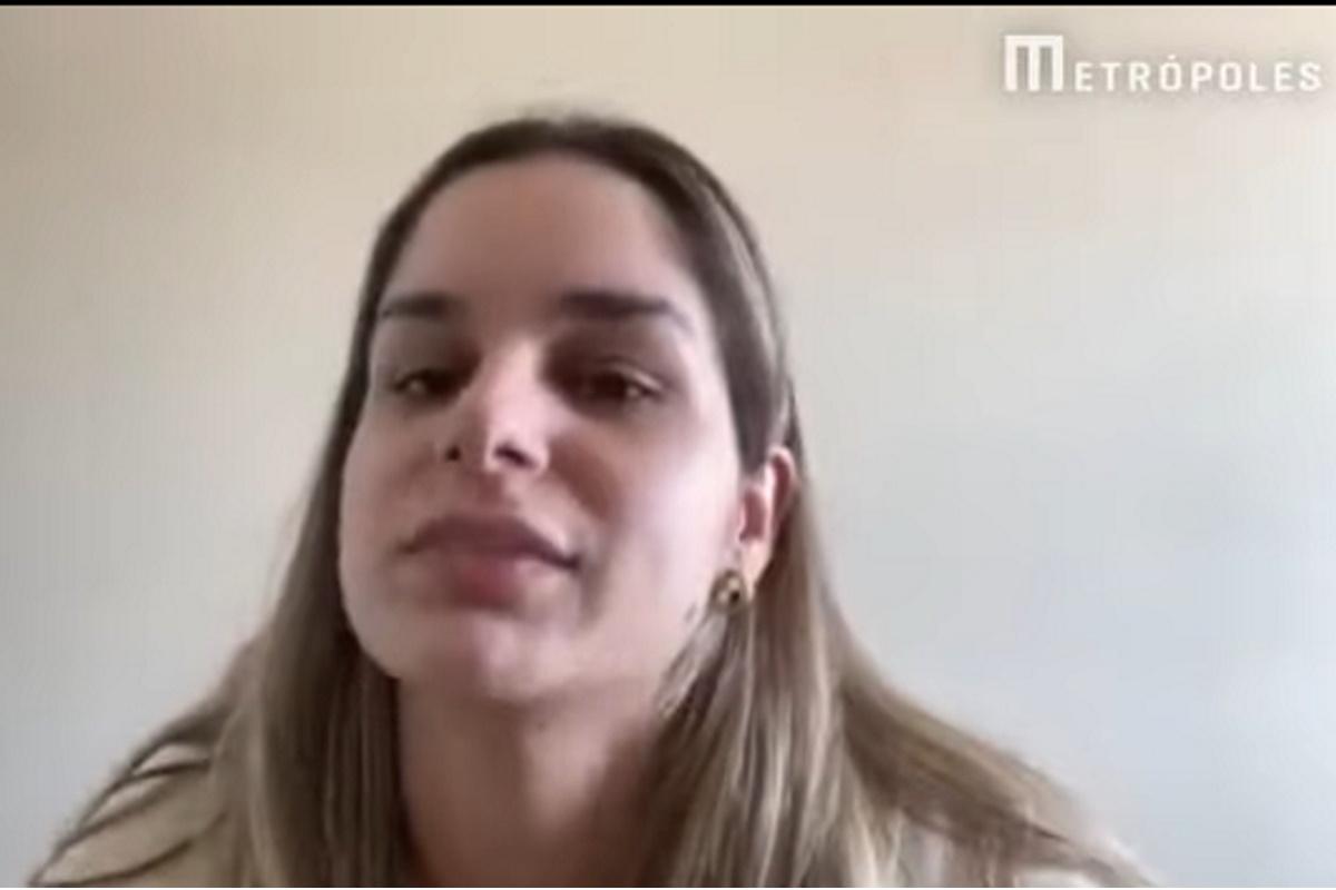 Pamella Holanda em entrevista para Leo Dias