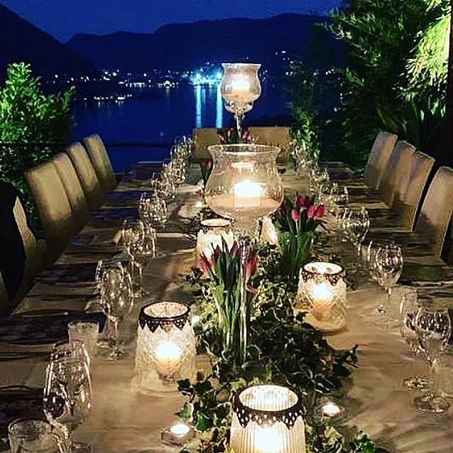 George e Amal Clooney jantando no restaurante Il Gatto Nero na Lombardia