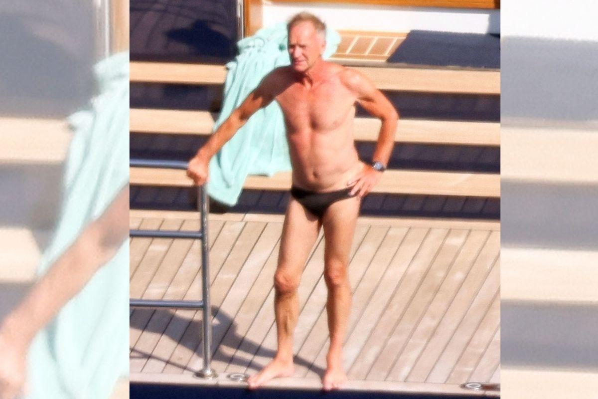 Sting é clicado durante passeio de iate pela Costa Amalfitana