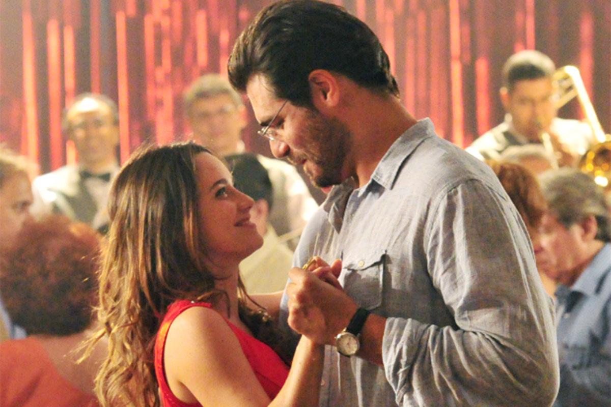 Ana dança com Lúcio