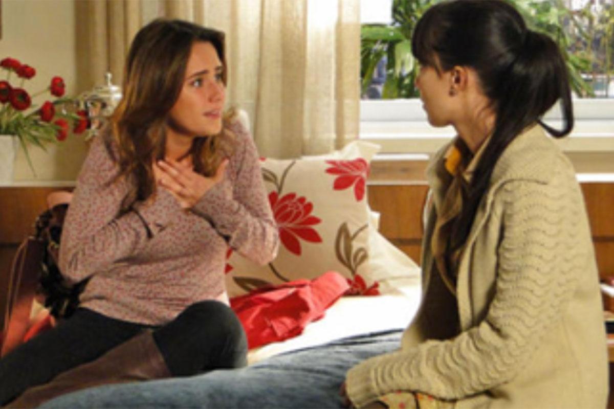 Ana conversa com Manuela