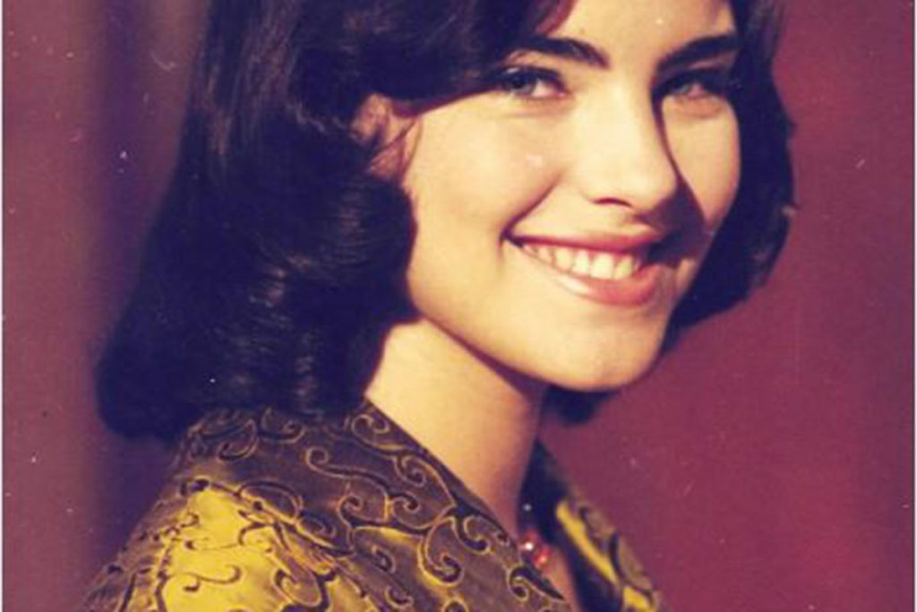 Ana Paula Arósio, como Hilda, em Hilda Furacão