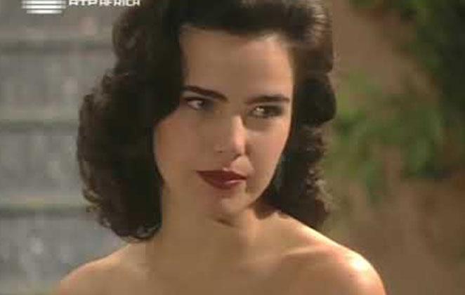 Ana Paula Arósio, como Isabel em Os Ossos do Barão