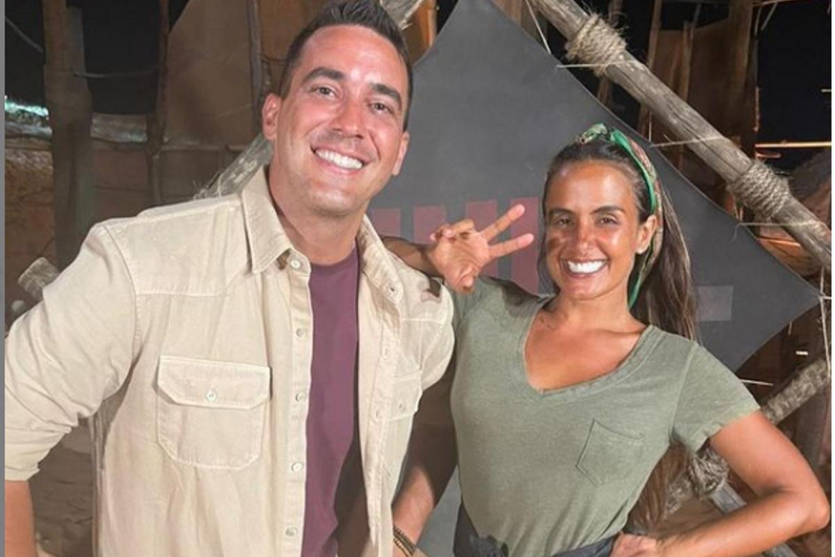 Andre Marques e Carol Peixinho sorrindo