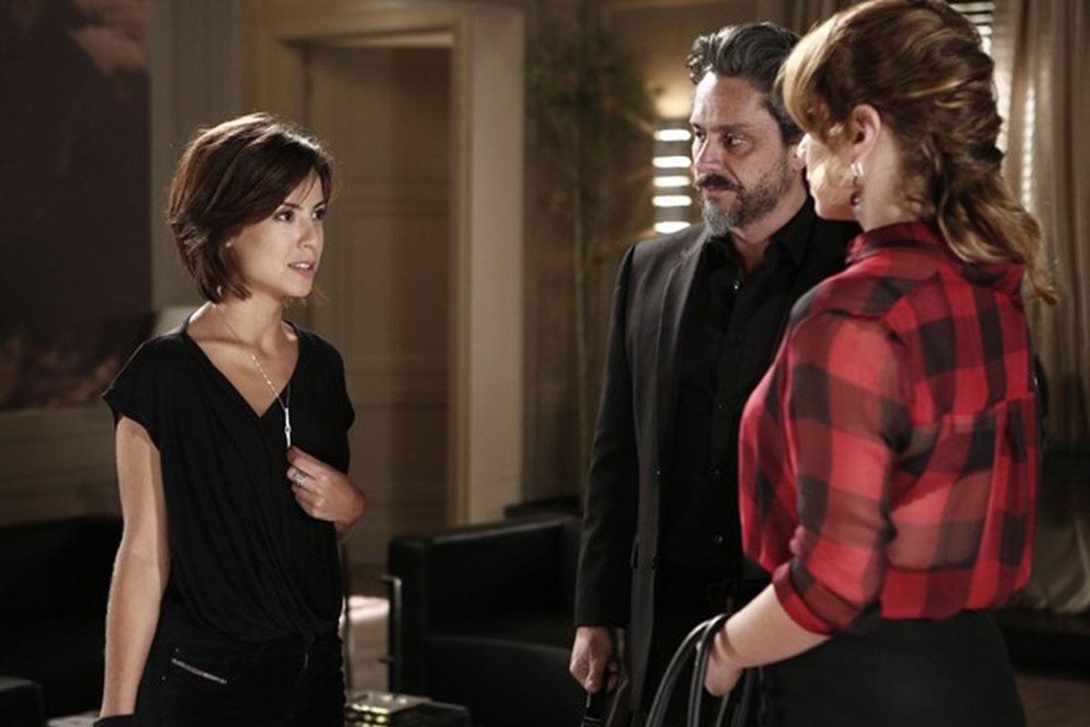 Andreia Horta, Leandra Leal e Alexandre Nero em cena de Império