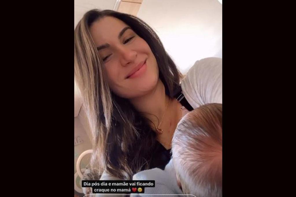 Bianca Andrade mostra momento de amamentação com Cris