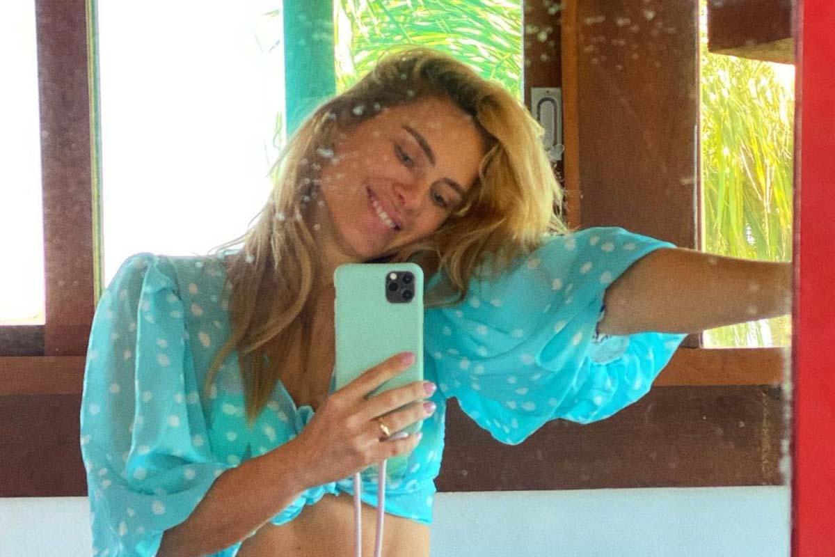 Carolina Dieckmann de biquíni