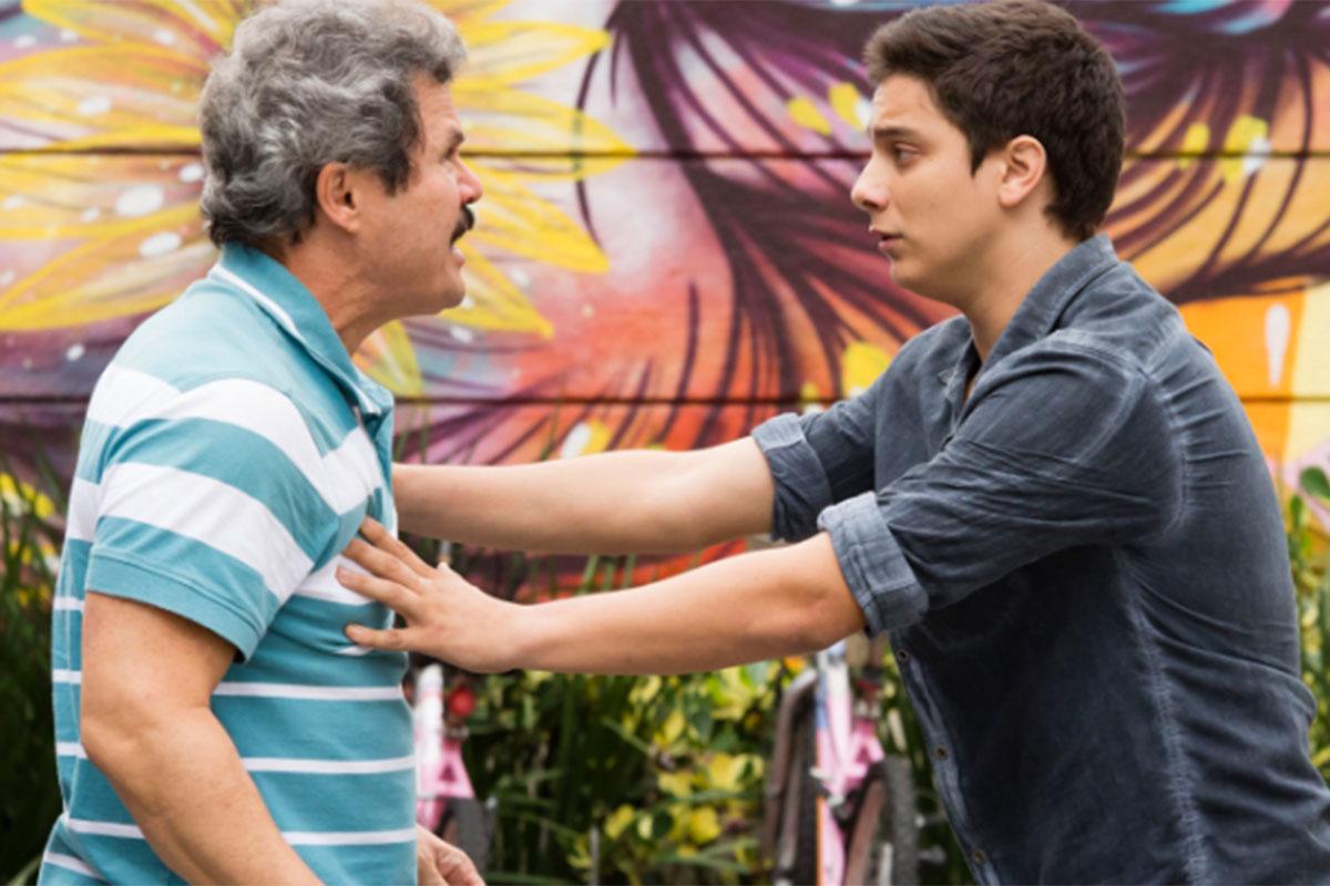 Edmilson e Jeff brigam em cena de Malhação