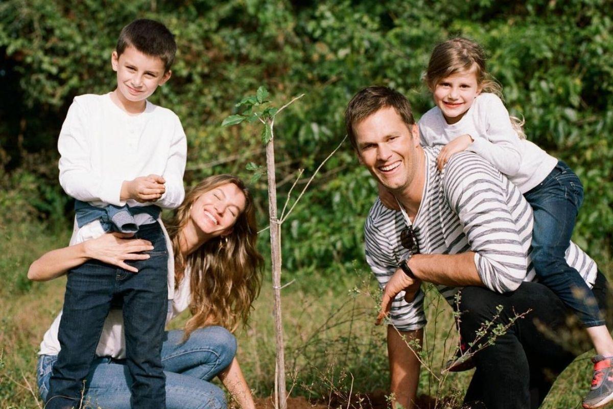 Foto de Gisele Bündchen com Tom Brady e os filhos