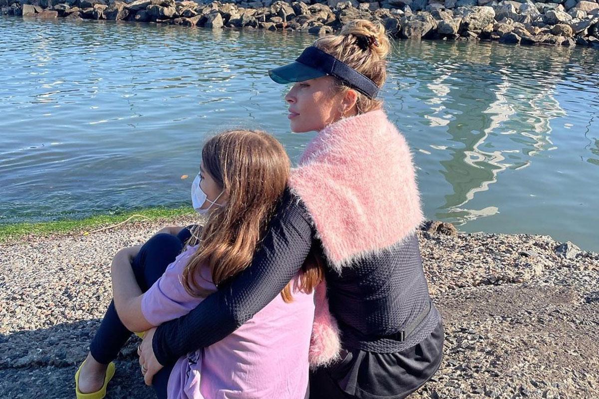 Retrato Grazi Massafera com a filha Sofia