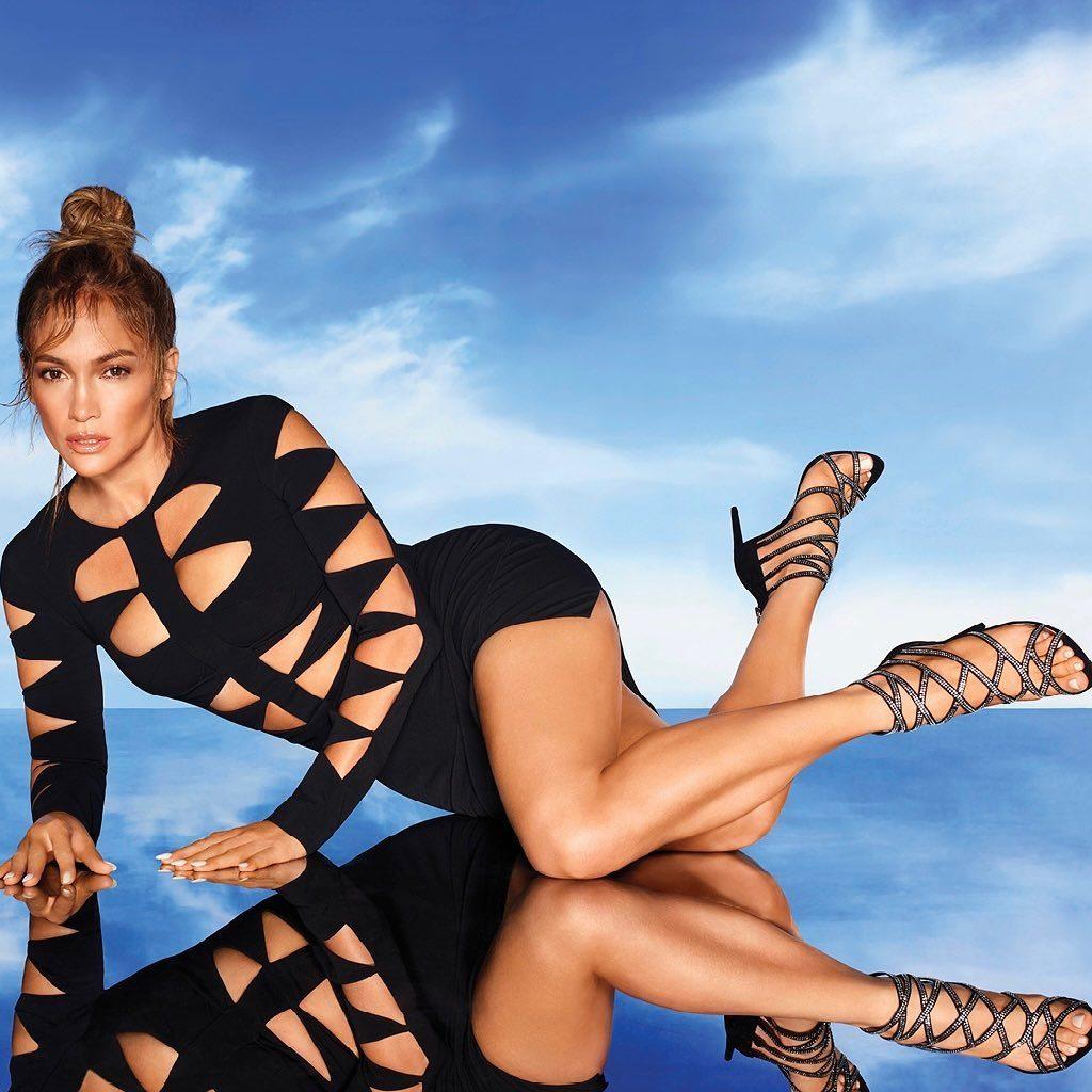 Modelo da coleção J.Lo