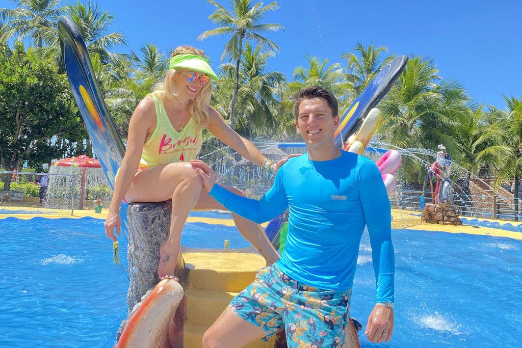 Karina Bacchi e Amaury Nunes no Beach Park
