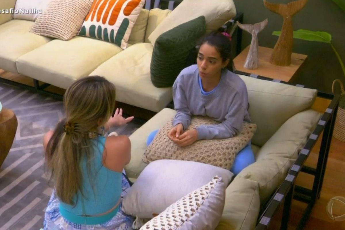Nadja conversa com Mirella - Ilha Record