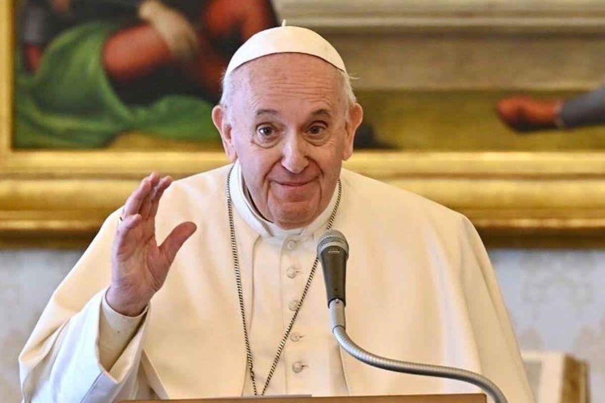 Foto do Papa Francisco durante pronunciamento
