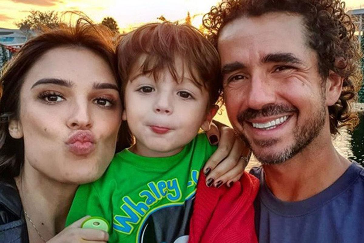 Rafa Brites com o marido Felipe Andreoli e o filho Rocco