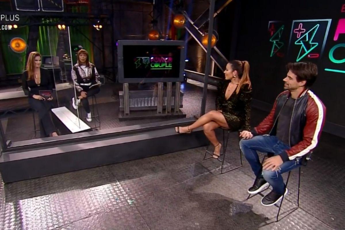 Renata e Leandro na Cabine de Descompressão