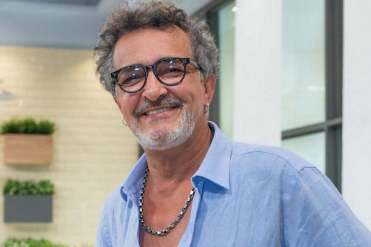 Rogerio Samora sorrindo