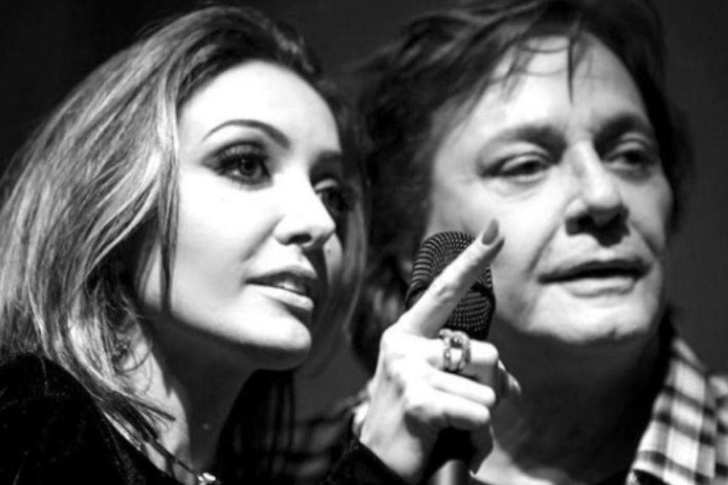 Tainá Galvão durante uma apresentação com Fabio Jr