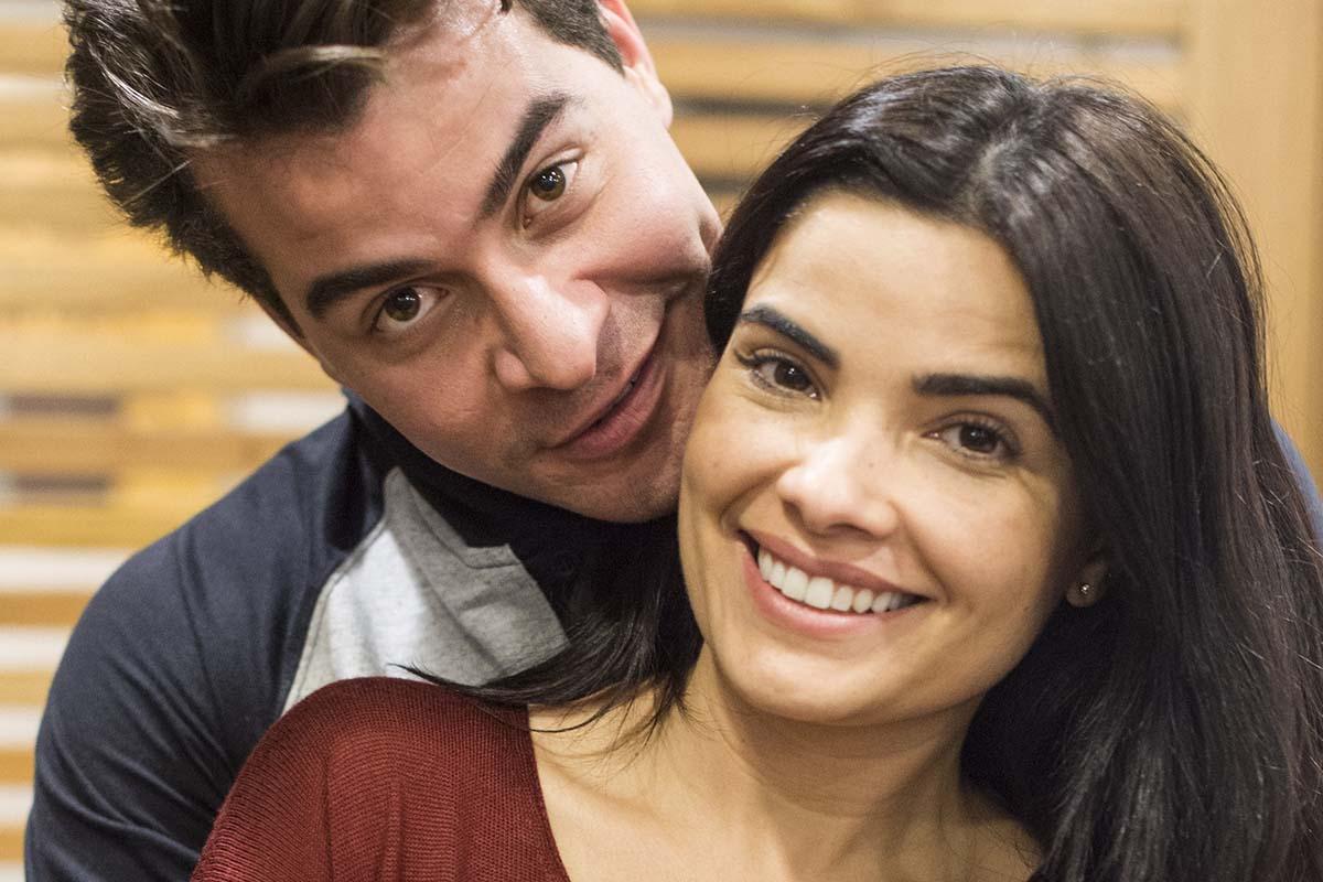 Thiago Martins e Vanessa Giácomo em Pega Pega